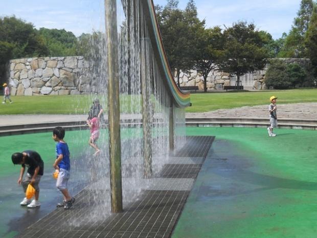 水の回廊,瀬戸大橋記念公園,球技場,香川
