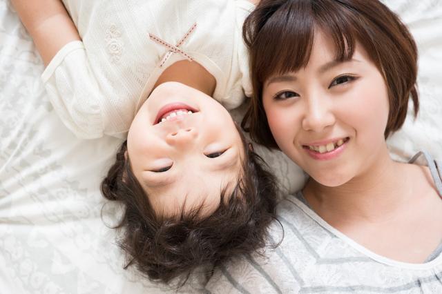 笑顔の親子,子育て,マナー,プロトコールマナー