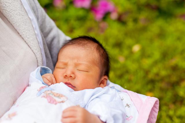 出産後の退院,海外,子育て,事情