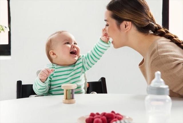 トリップトラップに男の子とママ,情緒,思い出,椅子
