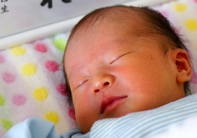 お昼寝をする赤ちゃん,ブラジル,子育て,奮闘記