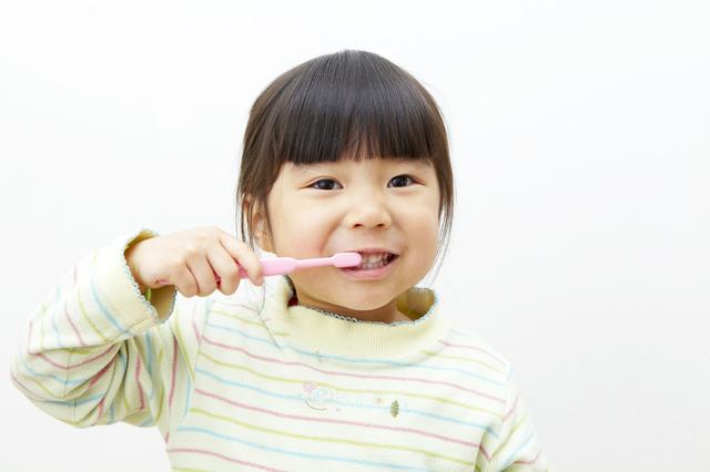 歯磨きをする女の子,幼稚園,入園前,生活習慣