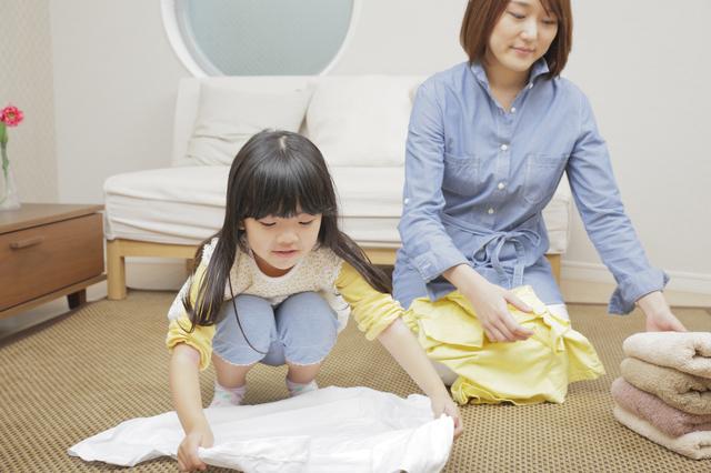 おかたづけする子どもとママ,幼稚園,入園前,生活習慣