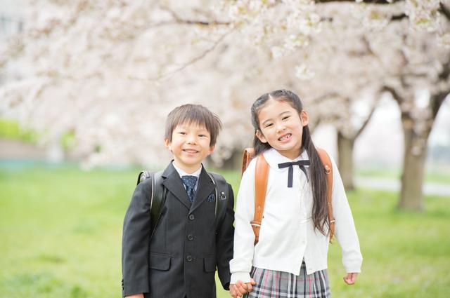 小学生男女ランドセル桜,ママ,入学式,服装