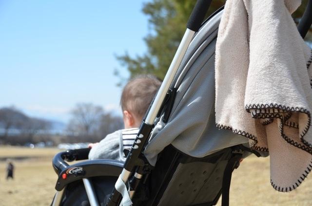赤ちゃんのお散歩,新生児 ,外出 ,時期