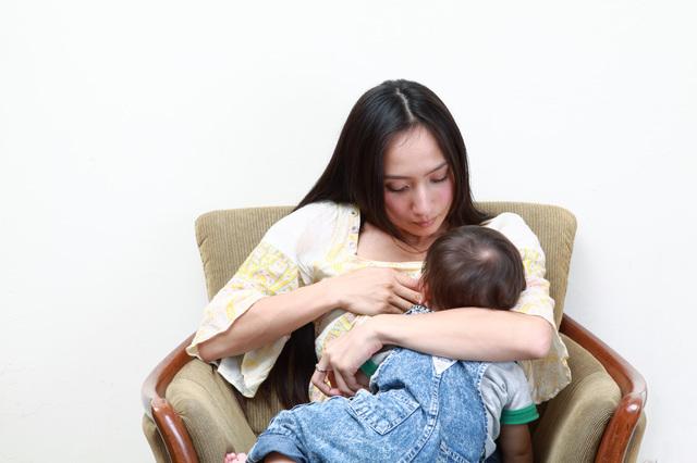 授乳するママ,授乳ケープ,おすすめ,選び方