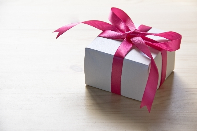 プレゼントの箱,絵本,こぐま社,バースデーカード