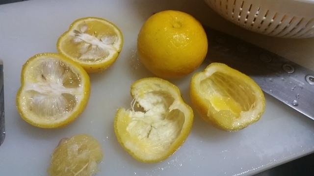 柚子を皮と果肉にカット,柚子ジャム,作り方,簡単