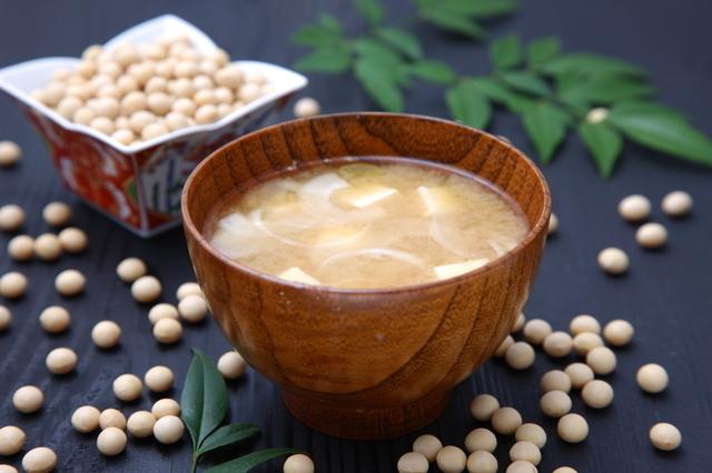 大豆とみそしる,大豆,イソフラボン,女性