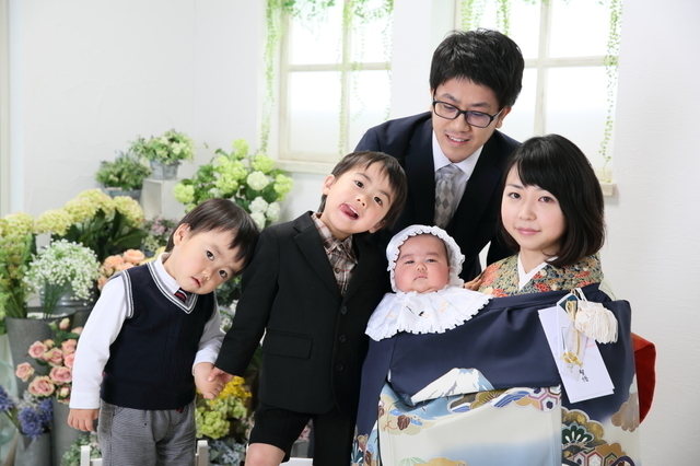 お宮参りの家族,愛知県,神社,お宮参り