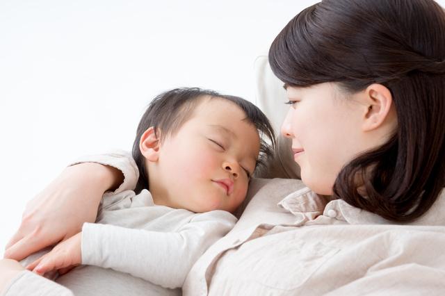 赤ちゃん すやすや,断乳,卒乳,悩み