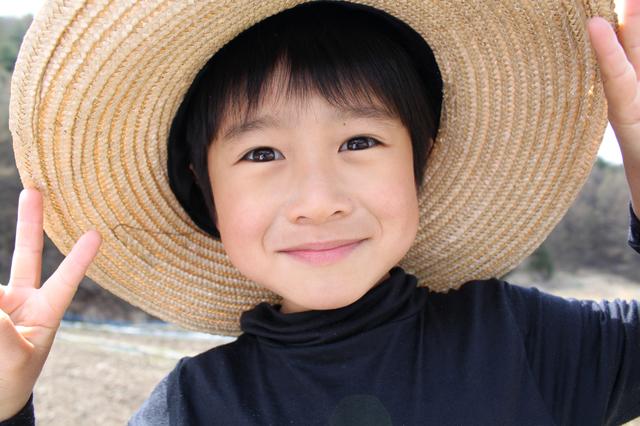 麦わら帽子の男の子,育児,田舎,メリット