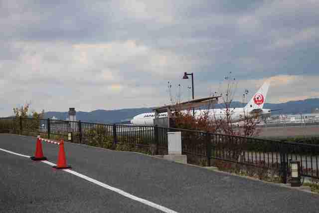 丘の上駐車場から見える飛行機,伊丹スカイパーク,飛行機,子連れ