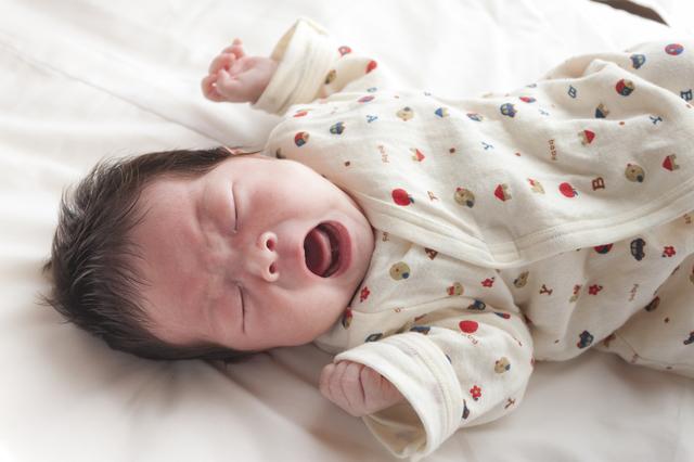 泣く赤ちゃん,生後0ヶ月,赤ちゃん,