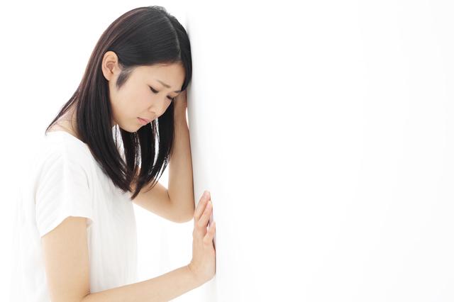 不調に苦しむ女性,妊娠9ヶ月,