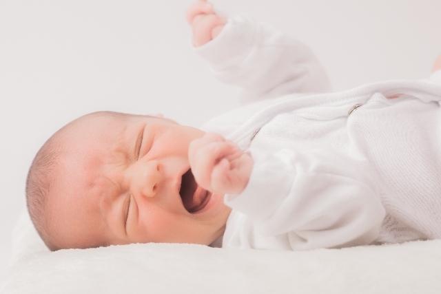 泣く赤ちゃん,生後,3ヶ月,赤ちゃん