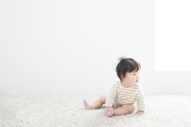 おすわり期の赤ちゃん,おもちゃ,いたずら,知育玩具