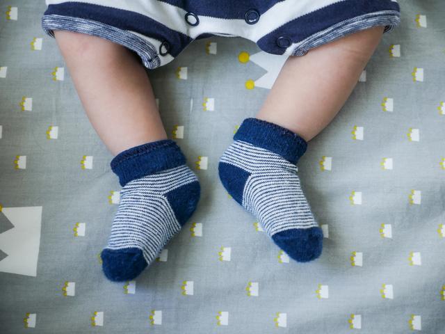 赤ちゃんの足と靴下,赤ちゃん,靴下,サイズ