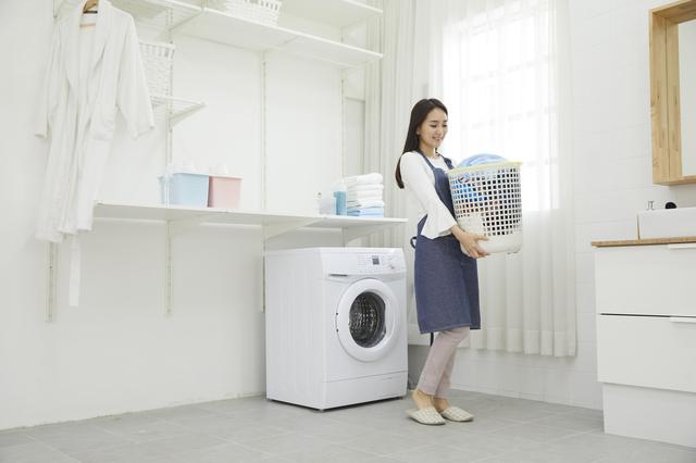 洗濯する女性,ベビー布団,いつまで,