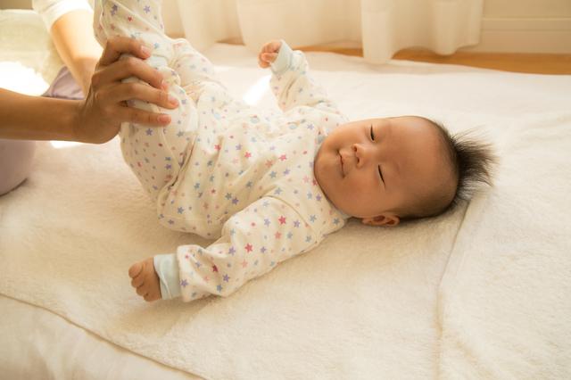 カバーオール姿の赤ちゃん,カバーオールとは,
