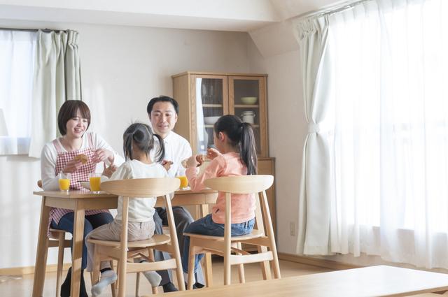 家族 朝食,住まい,マイホーム,