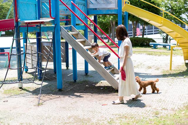 公園で遊ぶ子ども,住まい,マイホーム,
