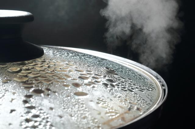 沸騰している鍋,離乳食,ひじき,