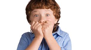 子どもが驚いている,子ども,花粉症,対策