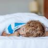 ■2歳児のママからの相談:「すぐに起きてしまう子ども」 私の子どもは毎朝7時に起き、お昼寝は12時、夜は8時には眠るようにしているのですが、,