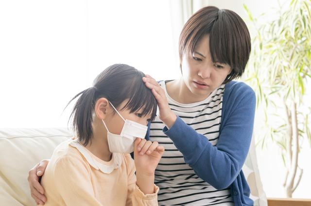 咳き込む女の子,子供,肺炎,