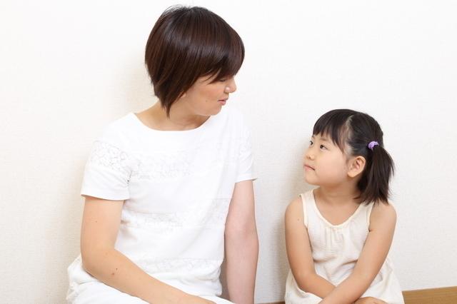 話をする親子,滲出性中耳炎,子供,