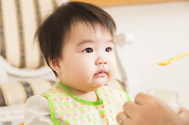 離乳食を食べる赤ちゃん,離乳食,茶碗蒸し,