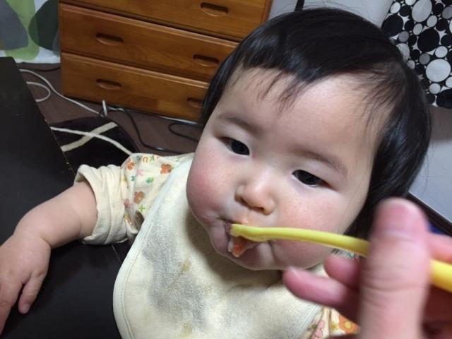 お粥をたべる赤ちゃん,10倍粥,