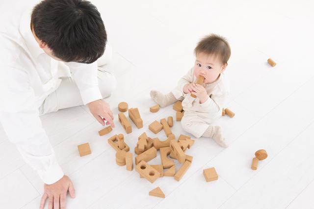 おもちゃを舐める赤ちゃん,赤ちゃん,おもちゃ,作り方