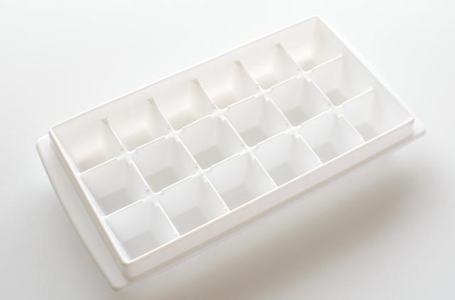 空の製氷皿,離乳食,豆乳,
