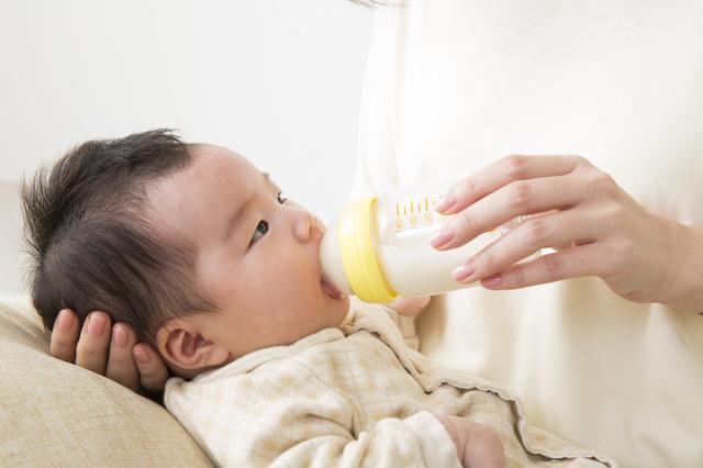 授乳クッションでミルク,授乳クッション,選び方,使い方
