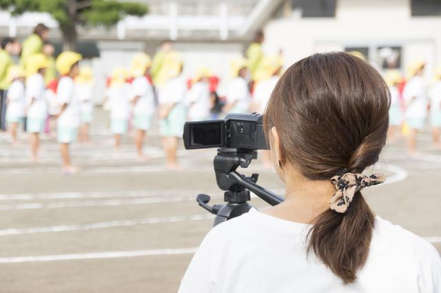 ムービー撮影をするママ,デジタル,ビデオ,カメラ