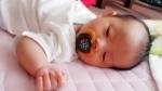 赤ちゃんおしゃぶり,おしゃぶり,寝かしつけ,