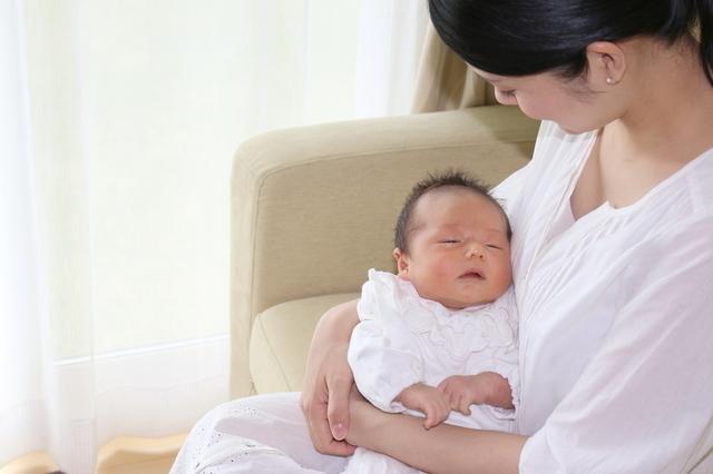 赤ちゃんと母親,母乳パッド,おすすめ,選び方