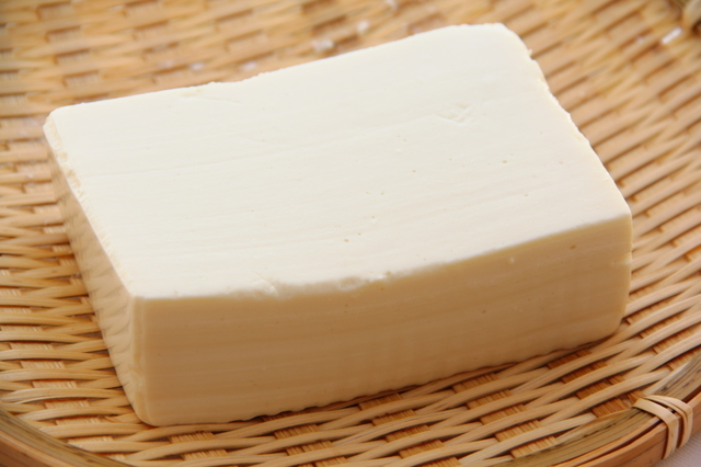 ざるに乗った豆腐,離乳食,豆腐ハンバーグ,