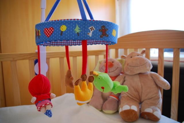 ベッドとメリー,赤ちゃん用品,収納,