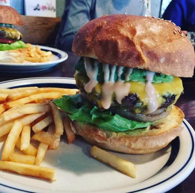 NEW OLDのハンバーガー,桜新町,子連れ,ランチ