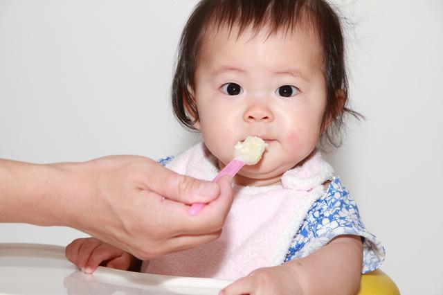 離乳食を食べる赤ちゃん,鬼怒川温泉ホテル,口コミ,