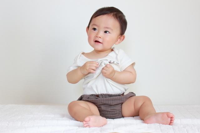 ブルマをはく赤ちゃん,ロンパース,赤ちゃん,着せ方