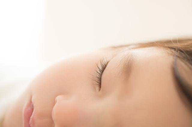 赤ちゃんの顔,細気管支炎,赤ちゃん,