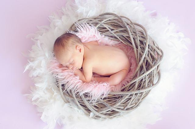 眠っている赤ちゃん,妊娠,25週,胎児