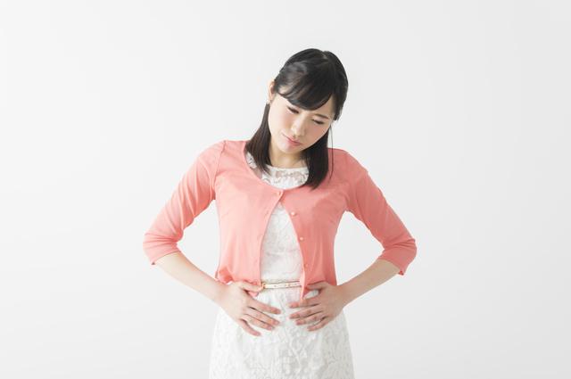 胃もたれに苦しむ女性,27週,胎児,