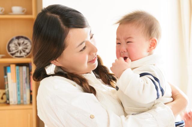 赤ちゃん泣く,急性中耳炎,赤ちゃん,