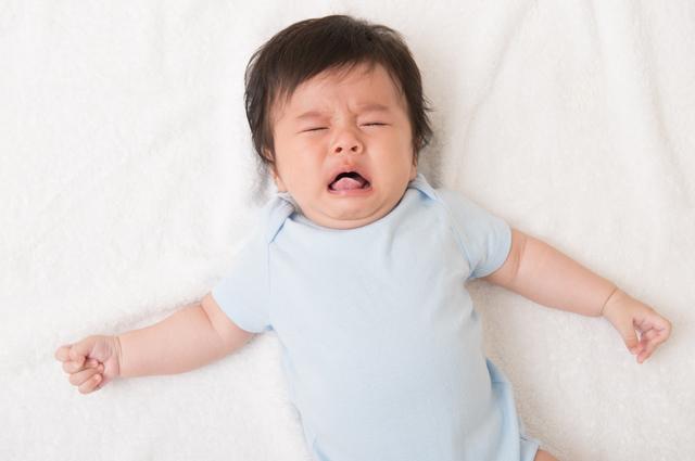 ぐずる赤ちゃん,発疹,赤ちゃん,