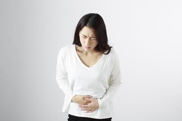 腹痛に悩む日本女性,妊娠5週,症状,